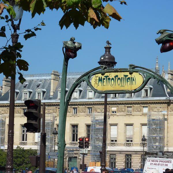 Le métropolitain, Paris